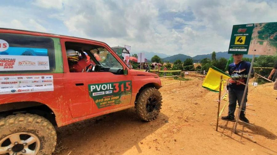 Chặng đua 'bầm dập' cả người lẫn xe tại giải đua xe địa hình Việt Nam