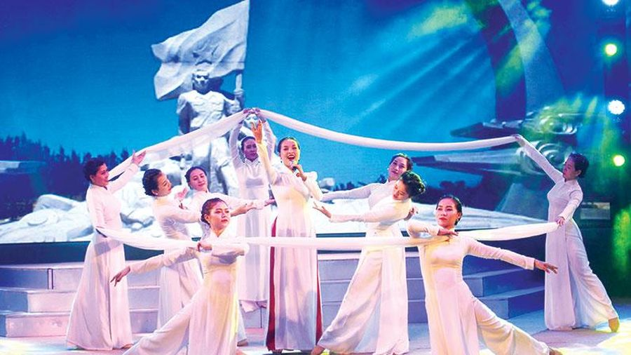 Kỷ niệm Ngày sân khấu Việt Nam (12-8 âm lịch): Tôn vinh nghệ thuật Và tri ân Tổ nghiệp