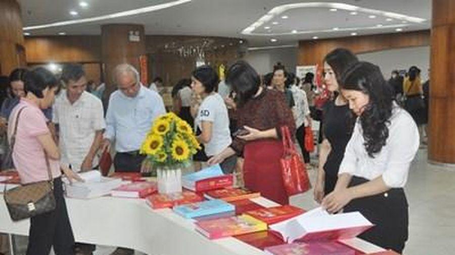 Triển lãm sách, báo 'Đảng bộ tỉnh Quảng Ninh từ đại hội đến đại hội'