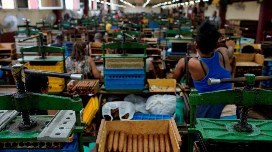 Mỹ áp lệnh cấm mới với rượu, xì gà và khách sạn Cuba