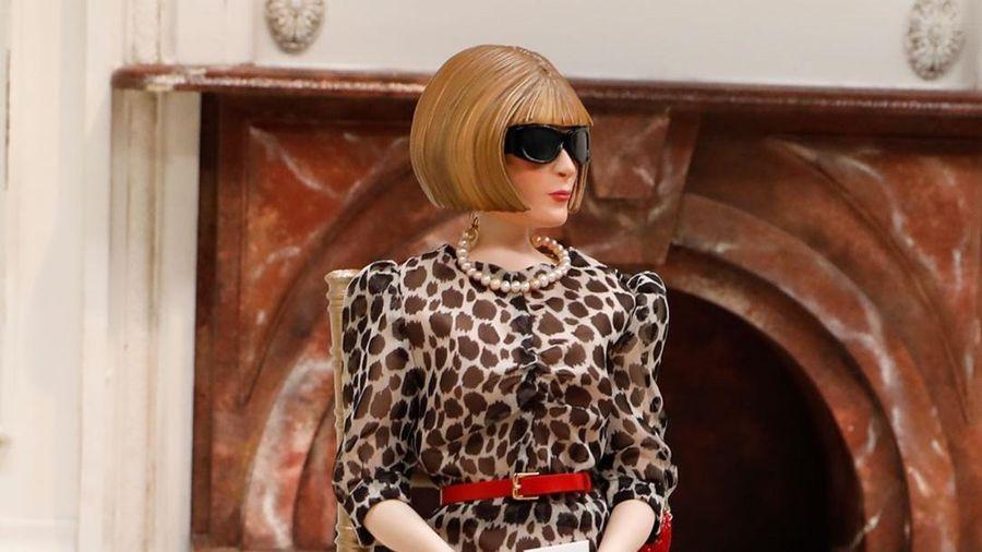 Moschino dùng búp bê thay thế người mẫu, khách mời