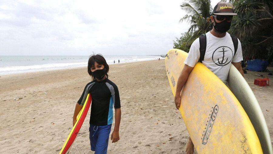 Bali đón khách du lịch trở lại
