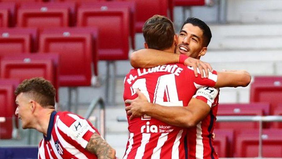 Suarez lập cú đúp trong chiến thắng 6-1 của Atletico