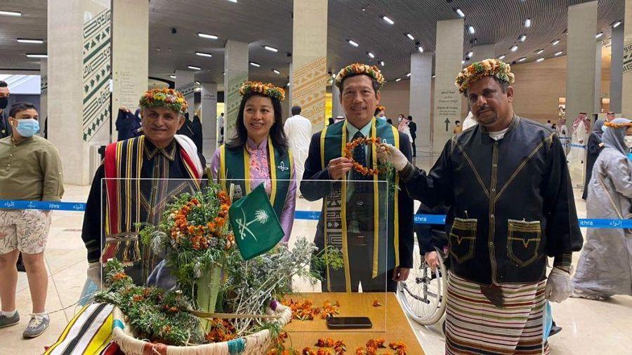 Đại sứ Vũ Viết Dũng dự các hoạt động kỷ niệm Quốc khánh Saudi Arabia
