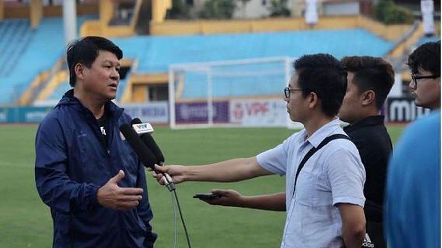 HLV Vũ Tiến Thành: 'Như thế mới là bóng đá'