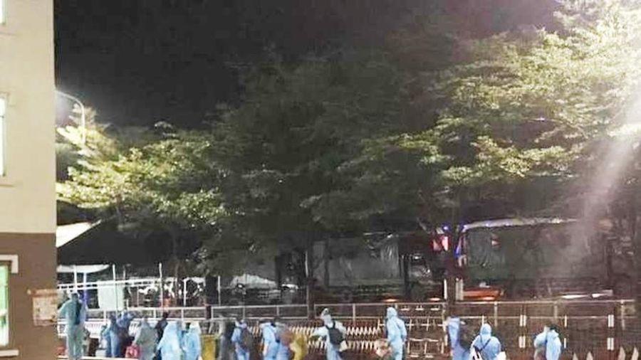Hàng chục công dân Việt Nam từ Pháp về có bệnh nền nặng