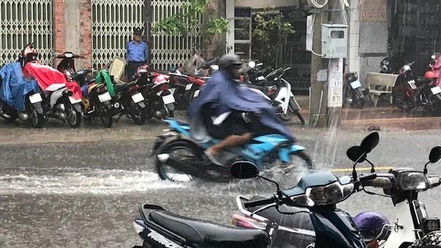 Mưa lớn kéo dài, nhiều khu vực ở Cà Mau ngập nặng