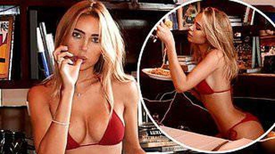 Mẫu áo tắm 9x thả dáng 'bốc lửa' ăn mỳ Ý, sexy đầy mê hoặc