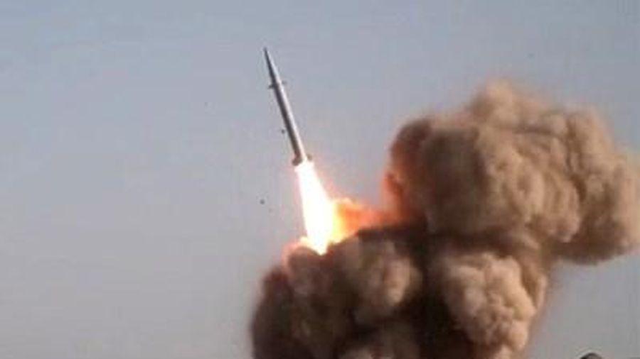 Iran lại 'khoe' tên lửa Raad-500 hiện đại trong kho vũ khí khổng lồ
