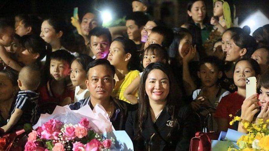 Hàng ngàn trẻ em tham gia 'Đêm Hội Trăng Rằm' tại huyện miền núi Hà Tĩnh