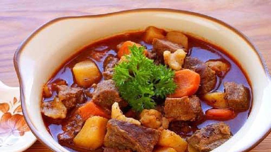 Hầm bất kì loại thịt nào chỉ cần cho thêm thứ này, đảm bảo thịt nhanh mềm lại thơm ngon đúng chuẩn