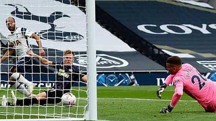 Kane - Son vô duyên, Tottenham bị chia điểm vì VAR