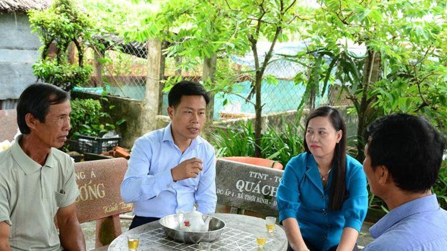 Chủ tịch UBND tỉnh Cà Mau khảo sát thực tế các mô hình kinh tế tại huyện Thới Bình
