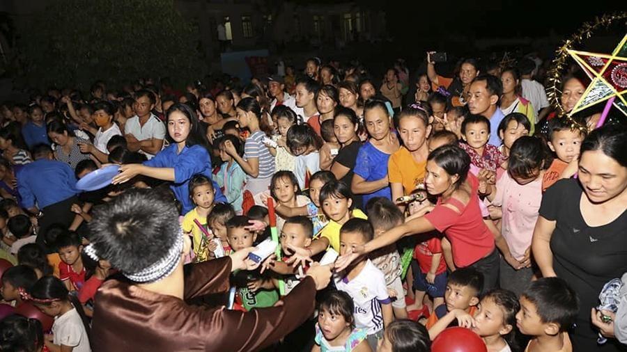 Nghệ An: Đón Trung thu sớm cùng trẻ em vùng tái định cư thủy điện Bản Vẽ