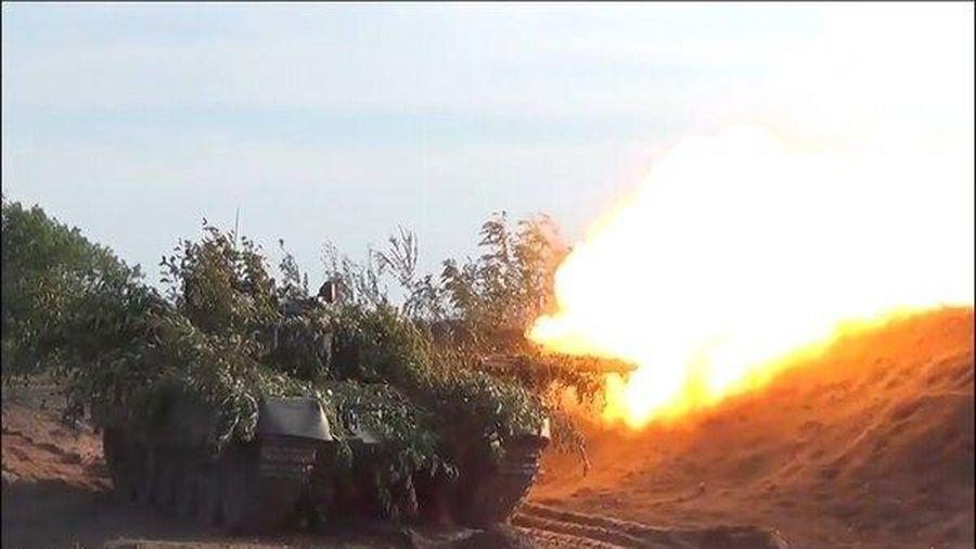 Đặc công và tăng thiết giáp Nga tập trận ấn tượng
