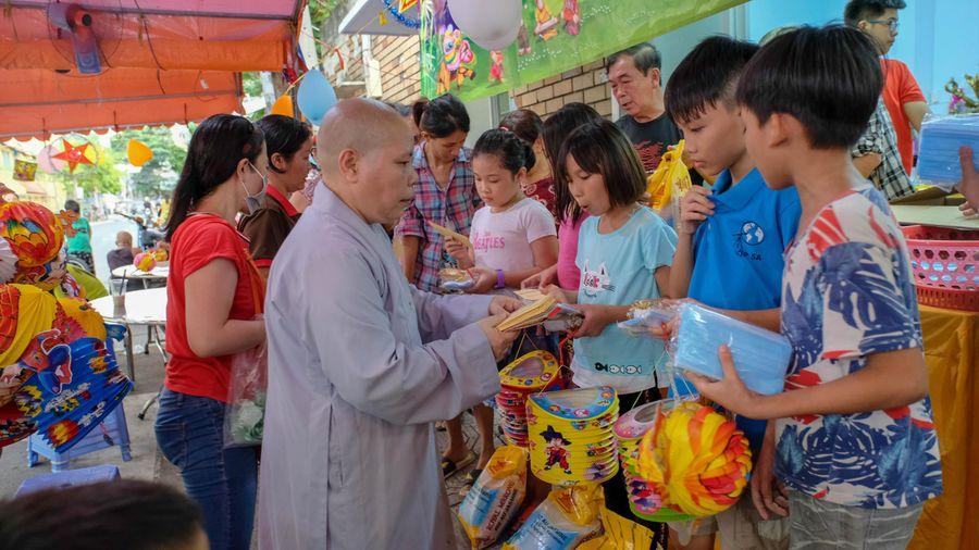 Ban Hướng dẫn Phật tử TP tổ chức đêm hội Trung thu