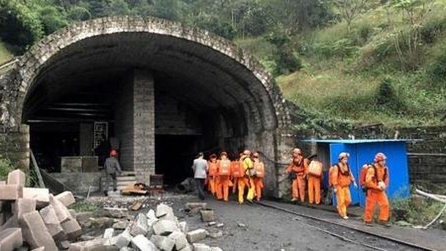16 công nhân Trung Quốc chết ngạt dưới mỏ khai thác than đá