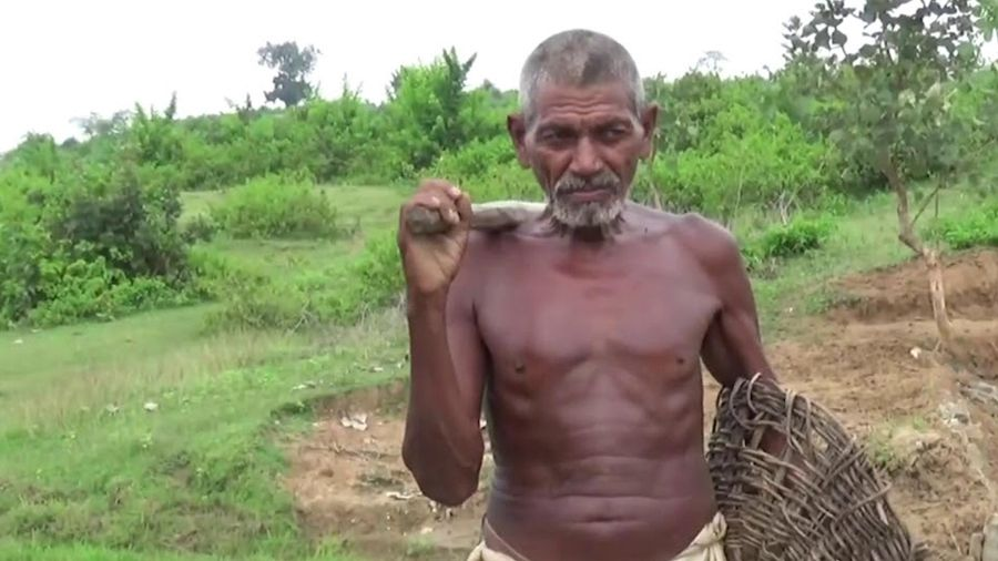 Người đàn ông 30 năm đào kênh dẫn nước về làng