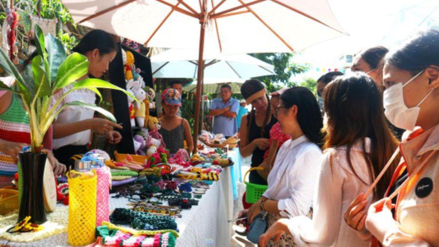Độc đáo chợ phiên làng chài Hội An