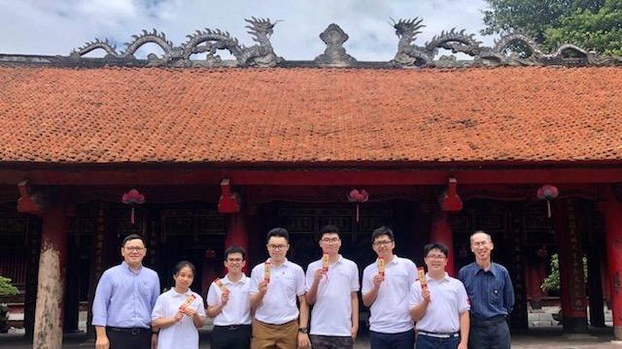 Việt Nam giành 2 huy chương vàng tại Olympic Toán học quốc tế lần thứ 61