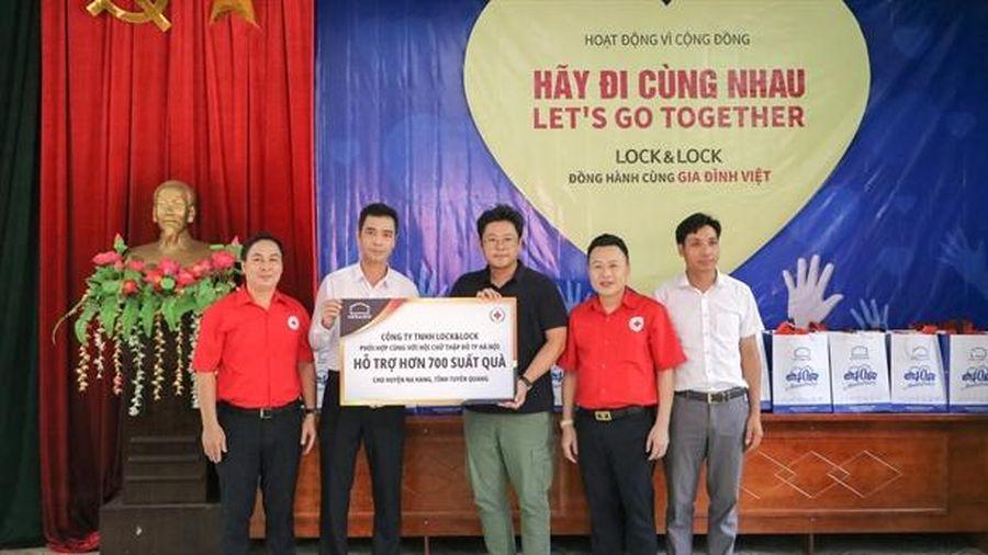 Lock&Lock Hà Nội trao trên 2.400 sản phẩm cho hộ nghèo