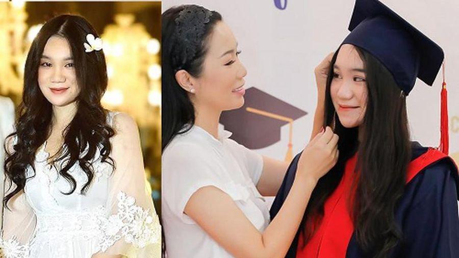 Con gái Á hậu Trịnh Kim Chi 'lột xác' xinh đẹp ở tuổi 18