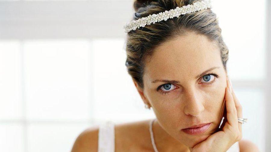 Bố mẹ chồng kỷ niệm đám cưới bạc, con dâu nói một câu khiến bà chưng hửng