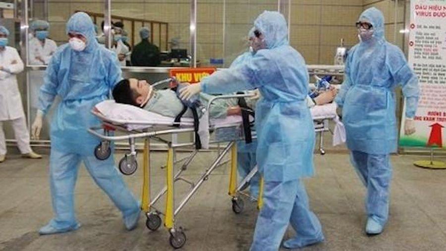 Các chuyên gia y tế khuyến cáo nguy cơ lây nhiễm Covid-19 khi mùa lạnh tới