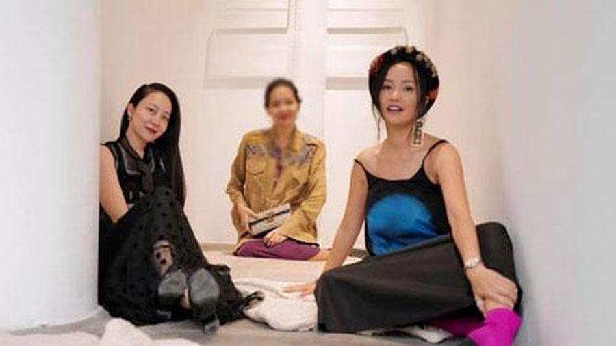Hơn Linh Nga 16 tuổi, Diva Hồng Vinh vẫn xinh đẹp, trẻ trung không thua kém đàn em