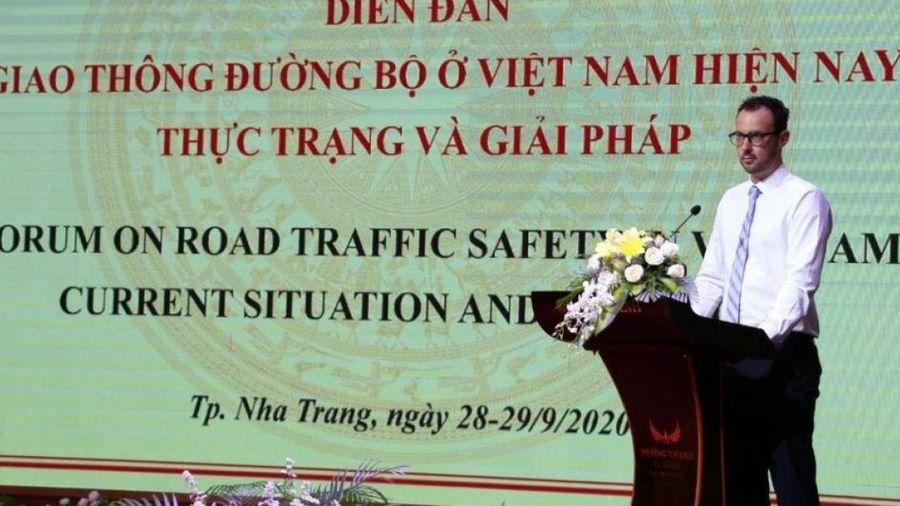 Luật Giao thông đường bộ (sửa đổi) làm 'nóng' diễn đàn Giao thông