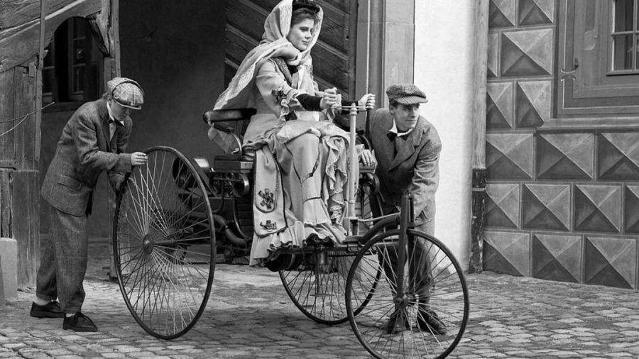 Chiếc ô tô đầu tiên trên thế giới đã được ra đời thế nào?