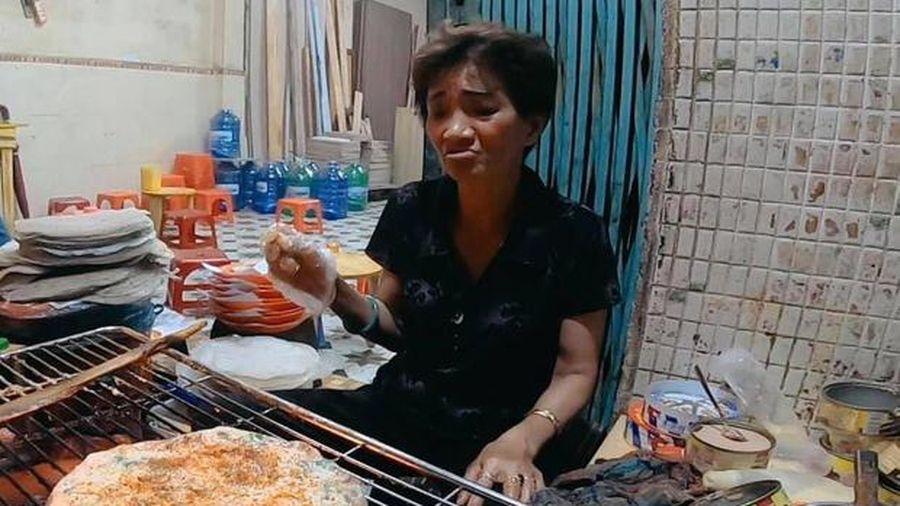 Chủ quán bánh tráng nướng ở Đà Lạt bị du khách tố khinh người, đuổi thẳng khách ra khỏi quán vì lí do hết sức vô lý