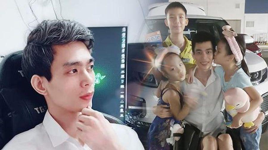 Tai nạn giao thông sau ly hôn, bố Hà Nội ngồi xe lăn một mình nuôi con