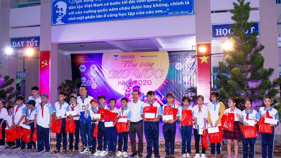 Bà Rịa - Vũng Tàu: Tặng quà Trung thu cho trẻ em khó khăn xã Láng Dài, huyện Đất Đỏ