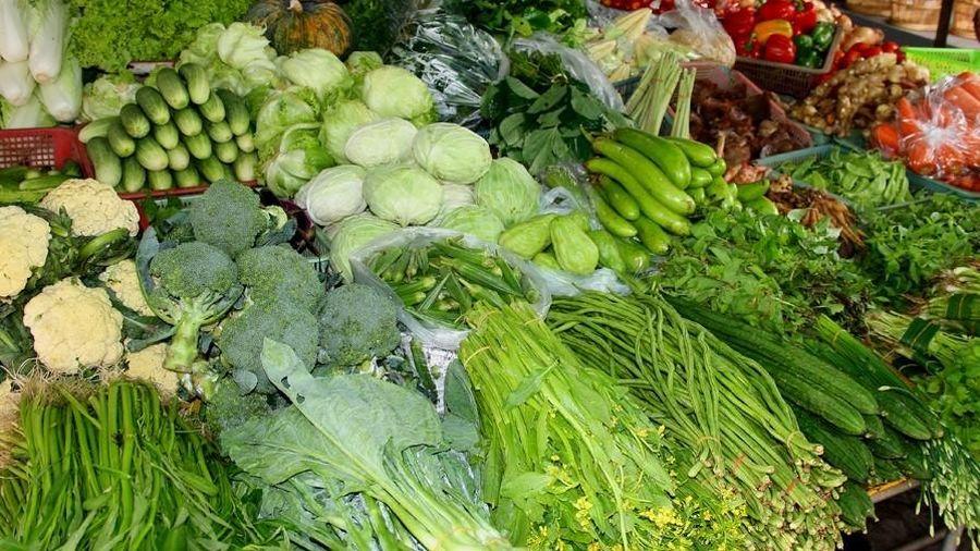 Giá thực phẩm hôm nay ngày 28/9: Giá rau củ bật tăng nhẹ