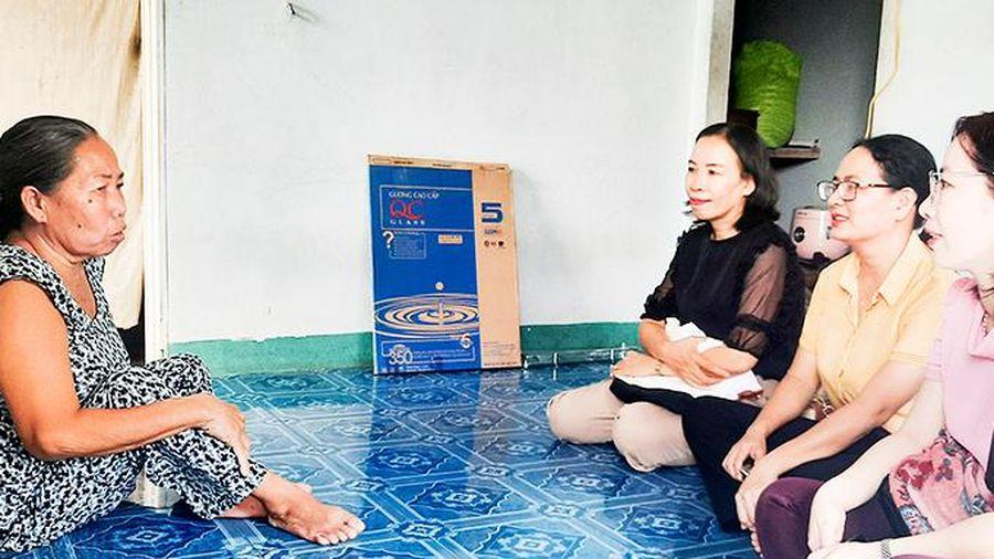 Hỗ trợ phụ nữ nghèo, khuyết tật