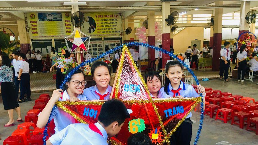 Trường THCS Võ Văn Ký tổ chức Tết Trung thu với chủ đề 'Vầng trăng yêu thương'