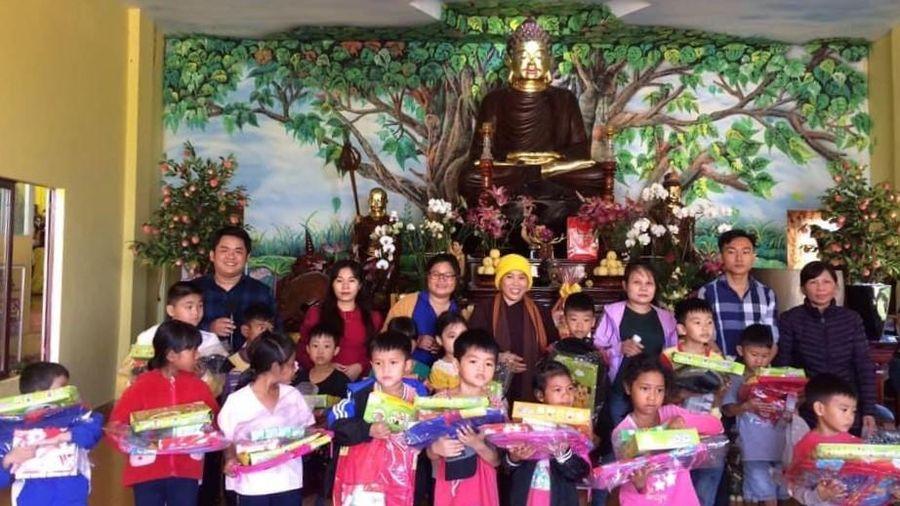 Nhiều chùa tổ chức vui Trung thu cho trẻ em các nơi