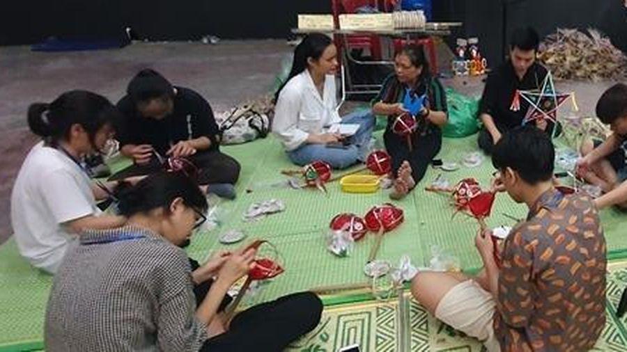 Gìn giữ nét đẹp văn hóa qua đồ chơi Trung thu truyền thống
