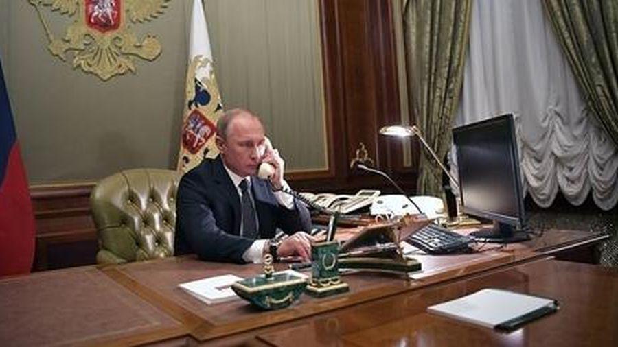 Tổng thống Putin hối thúc Armenia-Azerbaijan dừng giao tranh