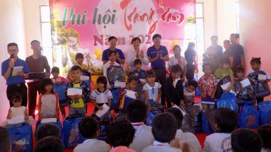 VNPT Quảng Ngãi tặng quà Trung thu cho trẻ em nghèo