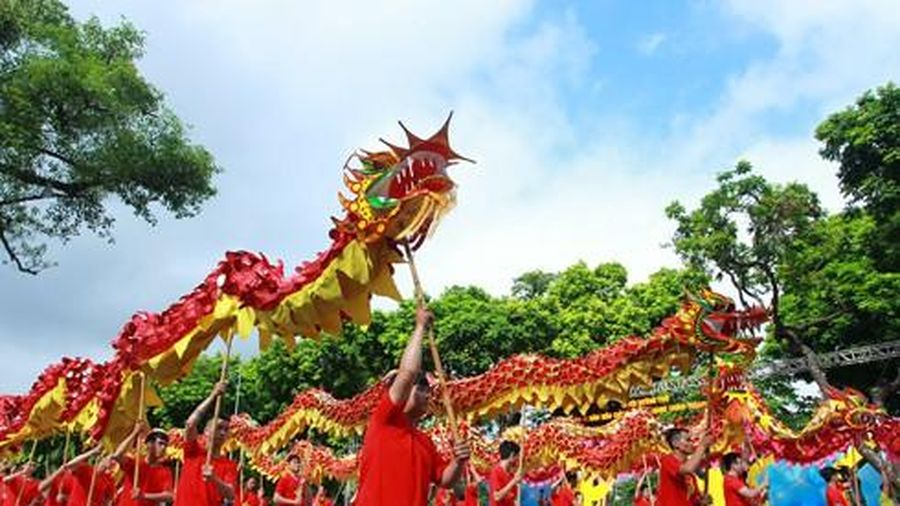 Phát huy nguồn lực văn hóa để Rồng thiêng bay cao