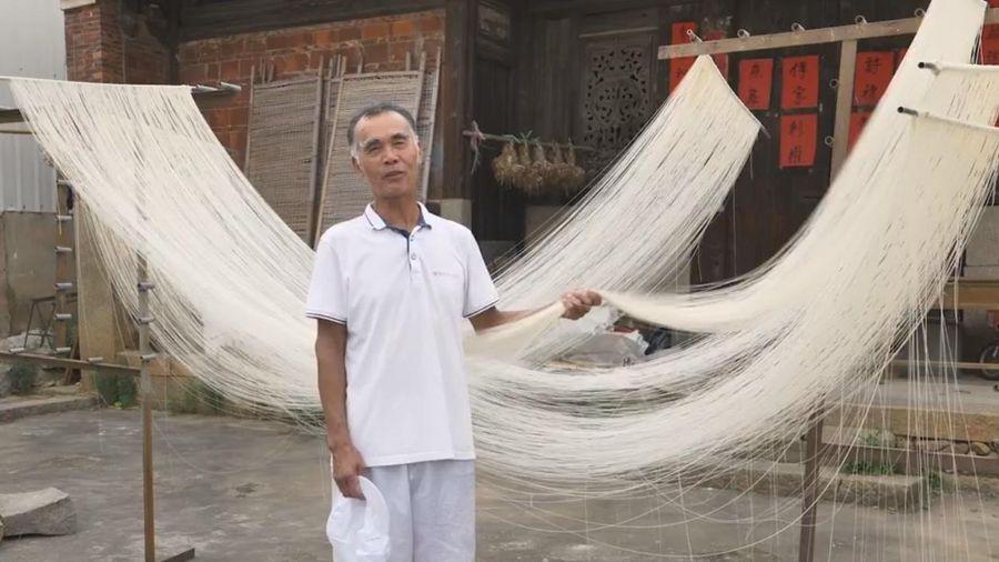 Kỹ thuật làm mì dài hơn 30 m