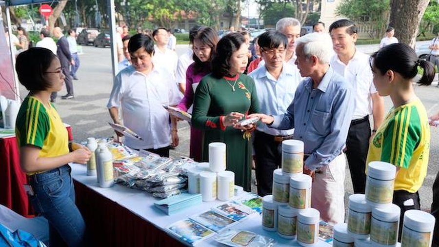 Hà Nội luôn xác định phát triển kinh tế đi đôi với bảo vệ môi trường