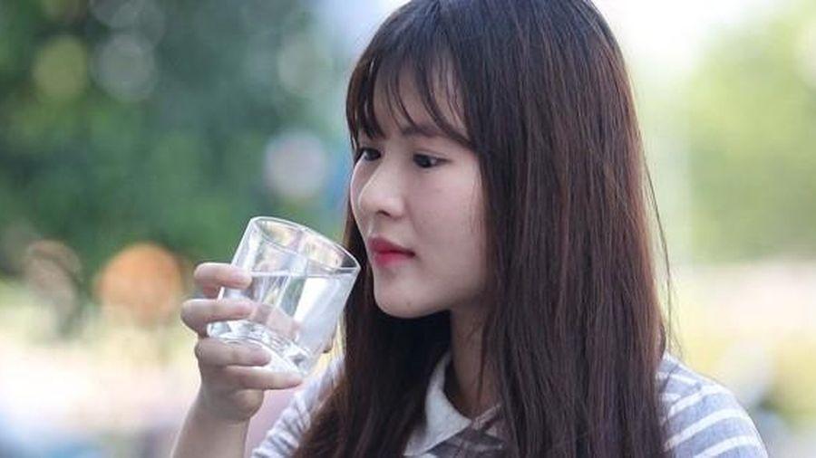 Uống nước cũng phải 'học'