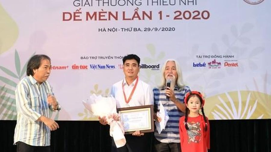 Nhà văn Nguyễn Quang Thiều từ chối nhận giải thưởng Dế mèn