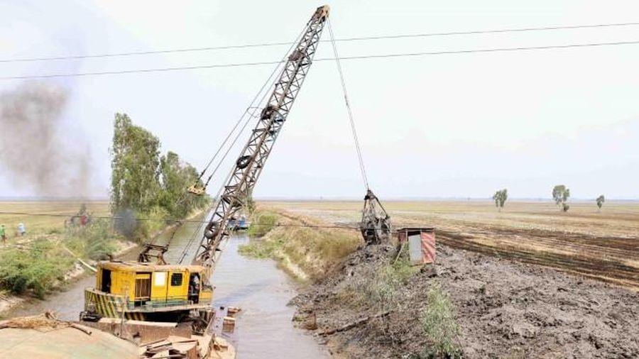 Mực nước sông Mê Kông thấp đến báo động