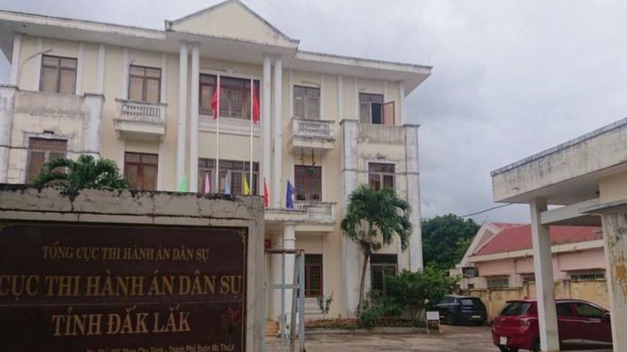 Kỷ luật cảnh cáo Cục trưởng Cục Thi hành án dân sự tỉnh Đắk Lắk