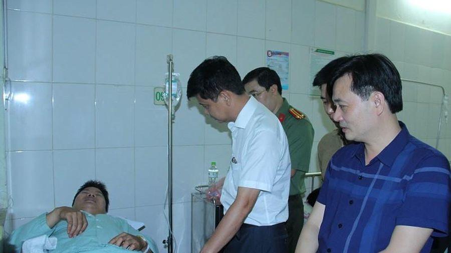 Lào Cai: Khống chế nghi phạm buôn ma túy, hai chiến sĩ Công an bị đâm trọng thương