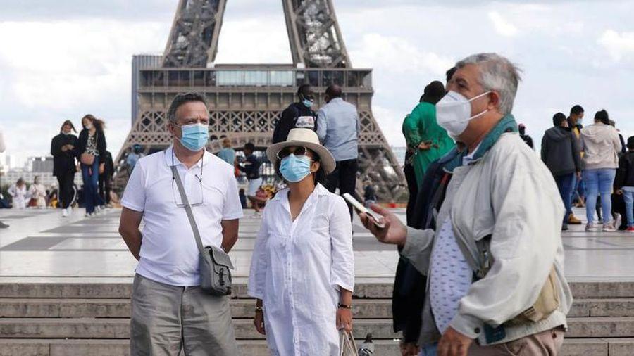 Ca nhiễm Covid-19 mới tại Pháp ít đi nhưng số người nhập viện vẫn tăng